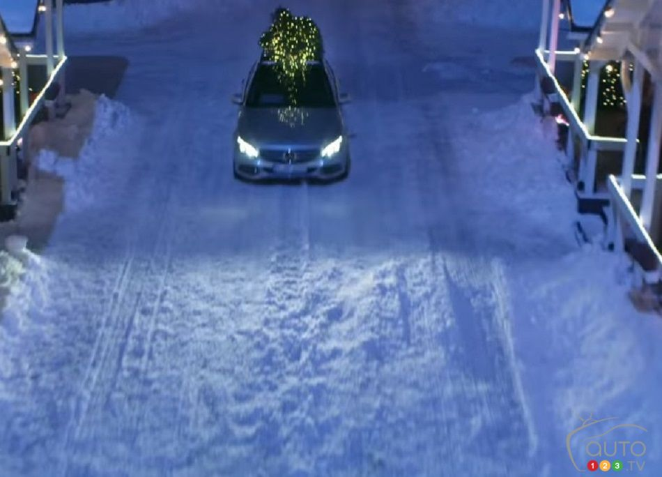 Mercedes benz commercial stars new c 350e plug in hybrid for Mercedes benz christmas commercial