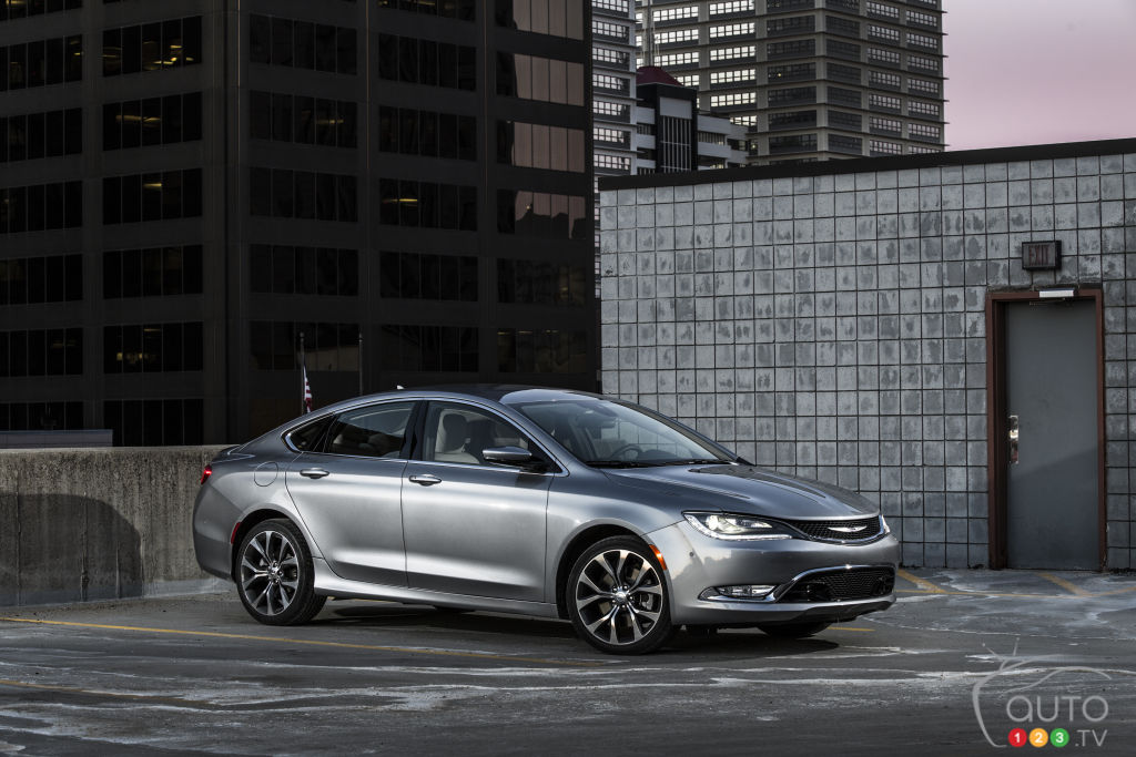 Attention, Passat TDI: Turbo-diesel Chrysler 200 may be coming at you!