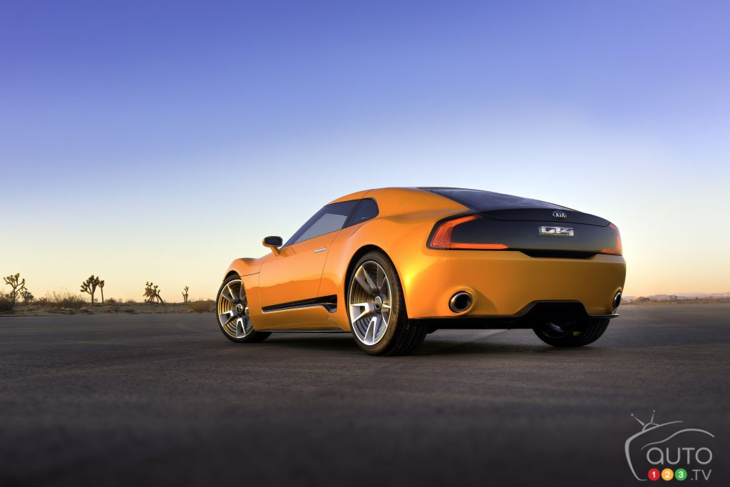 Toronto 2015: Kia introduces GT4 Stinger concept