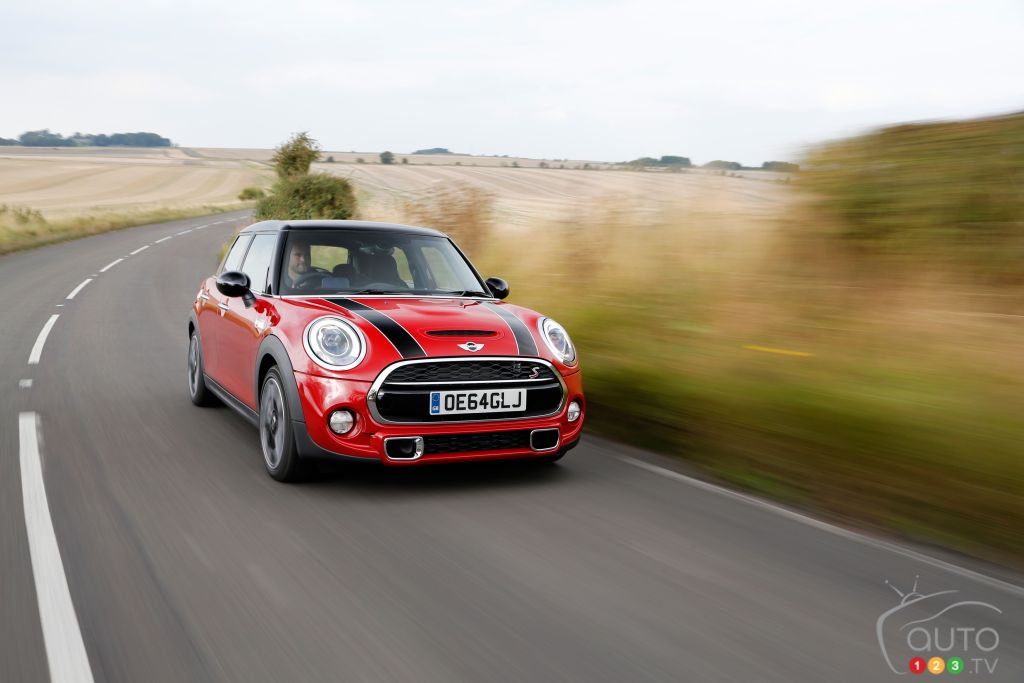 2015 MINI Cooper S 5 Door Review