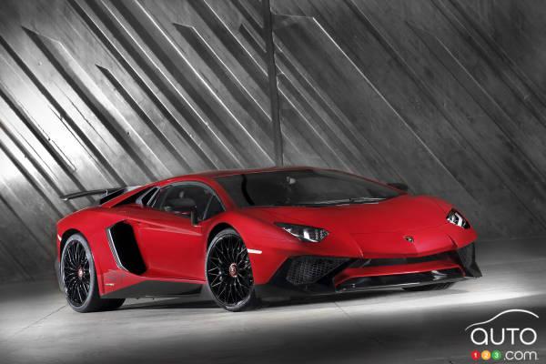 2015 Geneva Motor Show: Lamborghini Aventador LP 750-4 SV unveiled