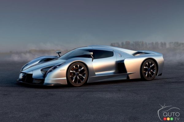 2015 Geneva Motor Show: SCG 003 debuts in both road and track versions