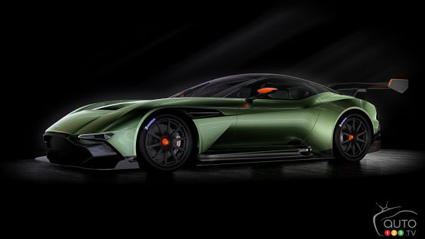 2015 New York Auto Show: Aston Martin Vulcan flies overseas for N.A. debut