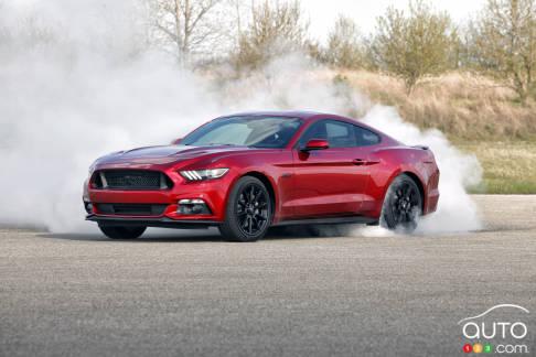 {u'en': u'Ford Mustang GT 2016'}