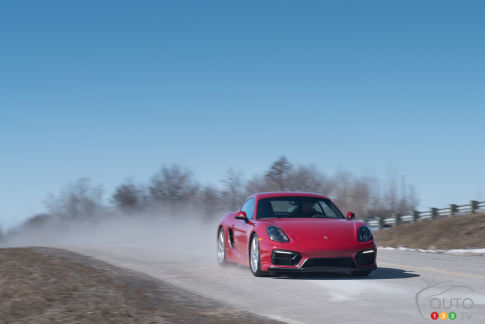 {u'fr': u'Porsche Cayman GTS 2015'}