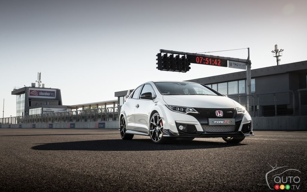 honda civic type r officially coming to canada car news. Black Bedroom Furniture Sets. Home Design Ideas