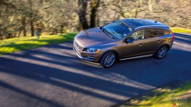 Volvo V60 Cross Country 2015 Review