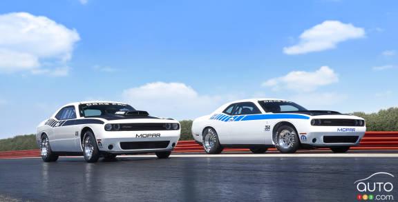 {u'fr': u'Mopar Dodge Challenger Drag Pak'}