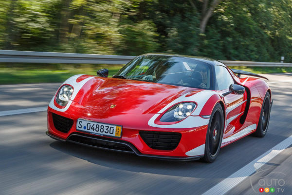Porsche 918 Spyder delivered to Mark Webber, Weissach package included