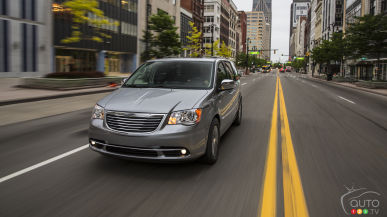 2017 Chrysler Town & Country to get new features
