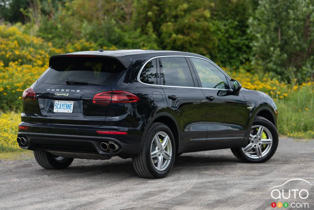 2015 porsche cayenne s e-hybrid review | car reviews | auto123
