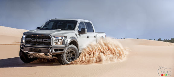 {u'fr': u'The new Ford F-150 Raptor SuperCrew'}