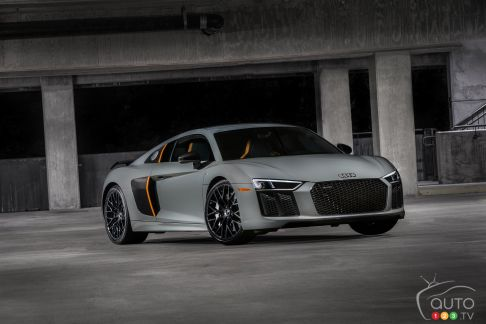 {u'en': u'The new 2017 Audi R8 V10 plus exclusive edition with laser high beams'}