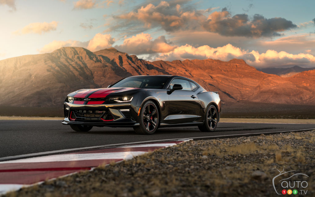 chevy performance parts put to the test on camaro cruze car news auto123. Black Bedroom Furniture Sets. Home Design Ideas