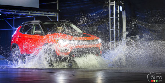 {u'en': u'The all-new 2017 Jeep Compass made quite a splash in Los Angeles... literally.'}