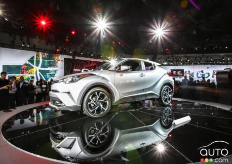 {u'fr': u'Le nouveau Toyota C-HR 2018 d\xe9voil\xe9 \xe0 Los Angeles'}