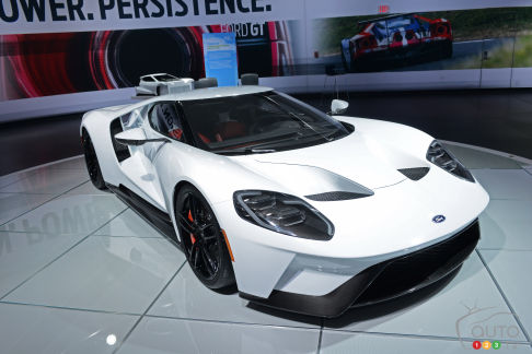 {u'en': u'The Ford GT at 2016 NAIAS'}