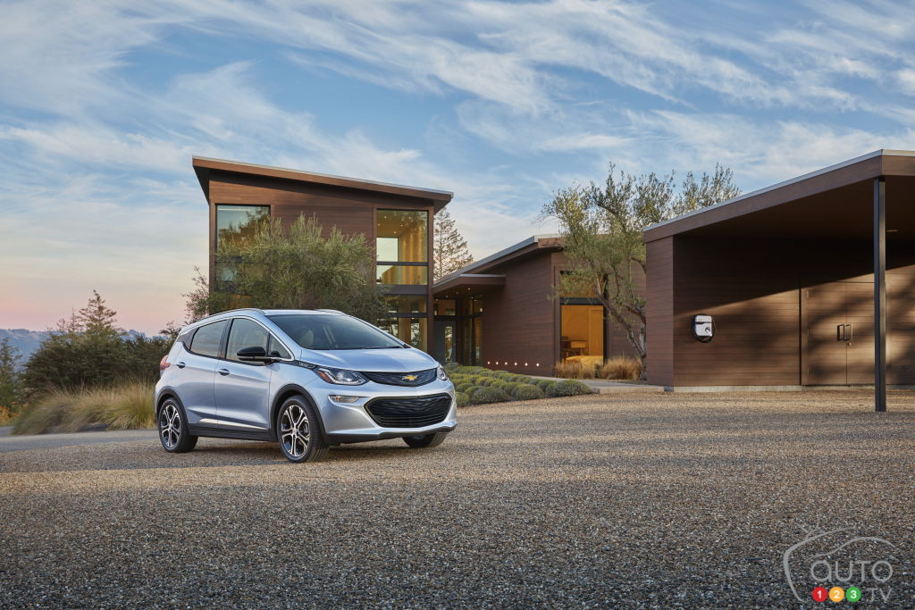 33 Chevy Bolt EV cars pre-ordered at one Quebec dealer