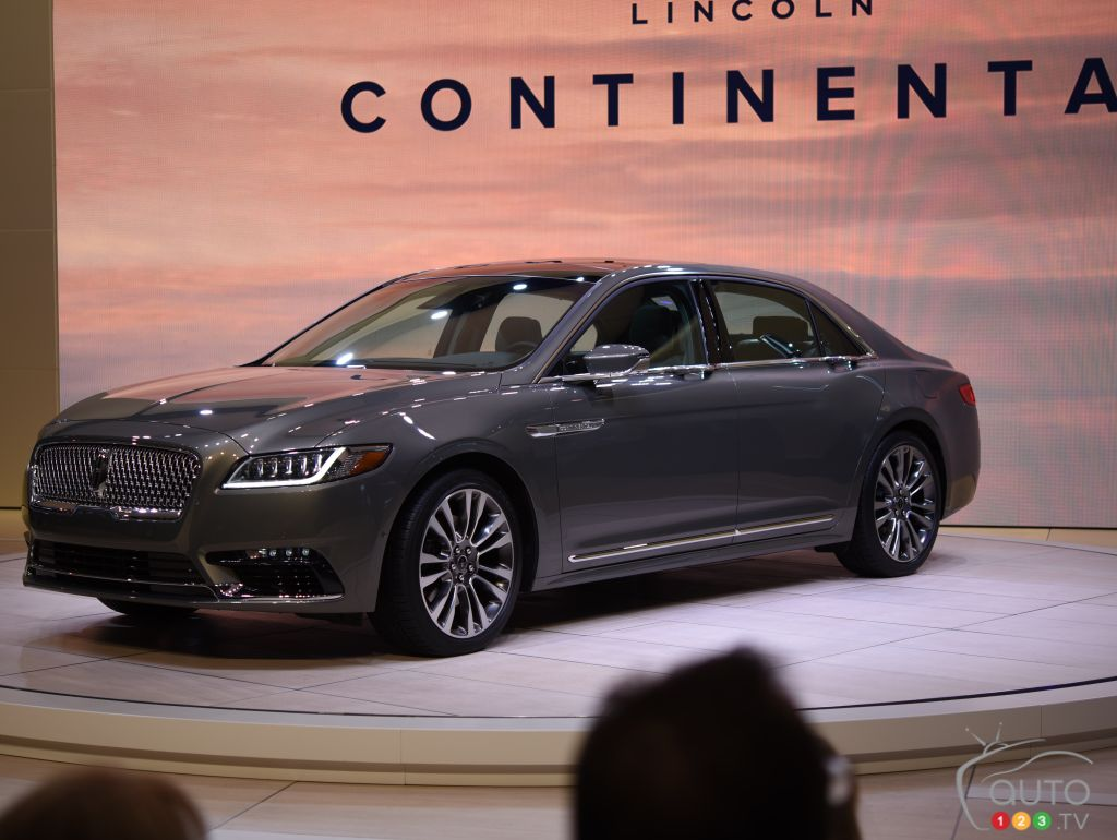 2017 lincoln continental unveiled at cias car news auto123. Black Bedroom Furniture Sets. Home Design Ideas