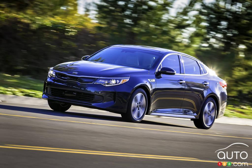 new kia optima hybrid makes world premiere in chicago car news auto123. Black Bedroom Furniture Sets. Home Design Ideas