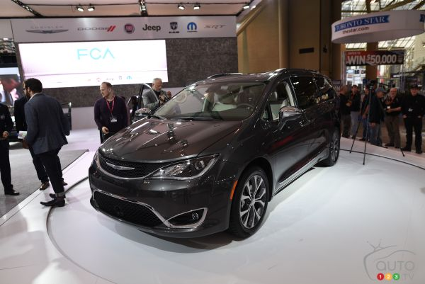 Toronto 2016: Chrysler Pacifica, the reborn minivan