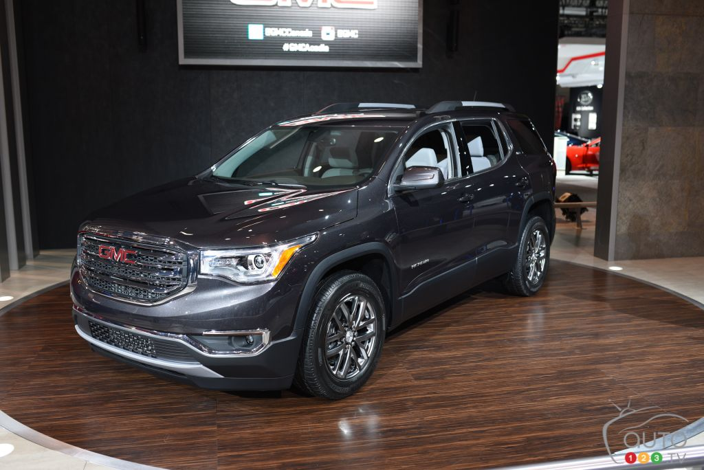 2017 Gmc Terrain Configurations >> 2017 GMC Acadia makes first appearance in Canada | Car ...