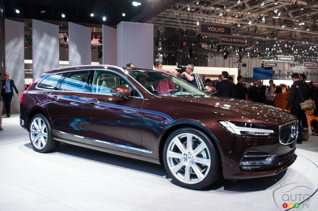 top 10 station wagons at the 2016 geneva auto show car news auto123. Black Bedroom Furniture Sets. Home Design Ideas