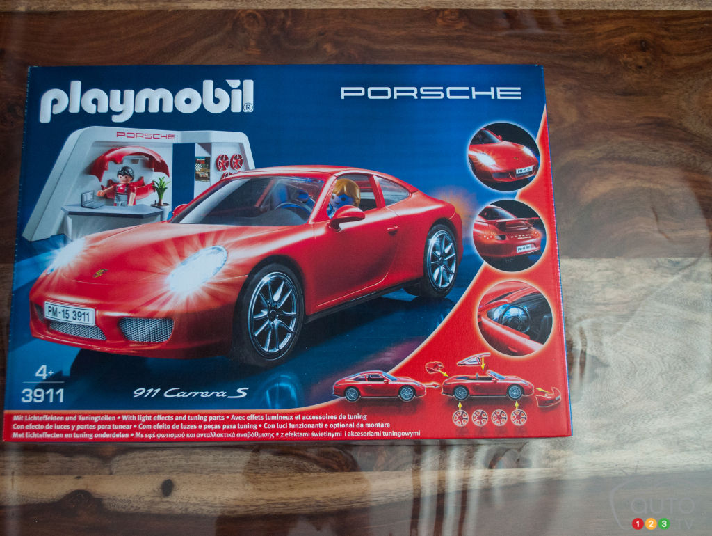 playmobil porsche 911 carrera s review car news auto123. Black Bedroom Furniture Sets. Home Design Ideas