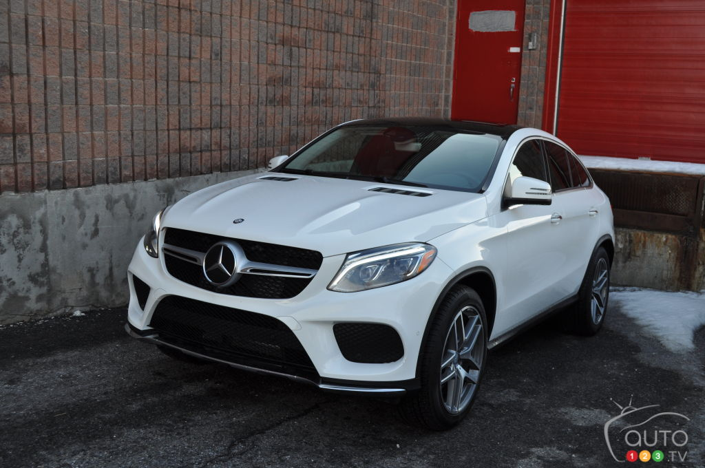 2016 mercedes gle coupe boldly takes on the x6 car for Mercedes benz x6 for sale