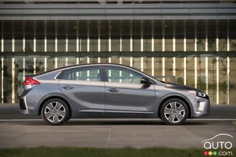 {u'en': u'The Hyundai Ioniq Hybrid'}