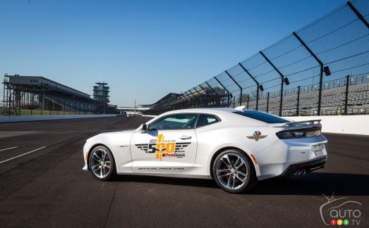 {u'en': u'The 2017 Chevy Camaro SS 50th Anniversary Edition Pace Car'}