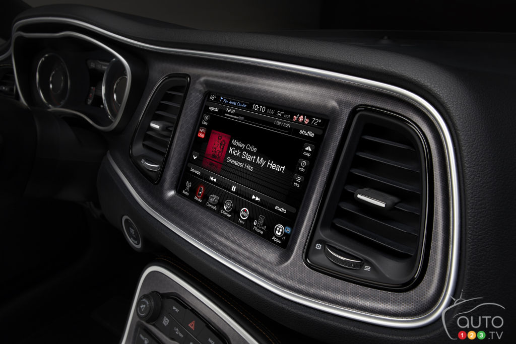 apple's siri available for free in 2 million fca vehicles