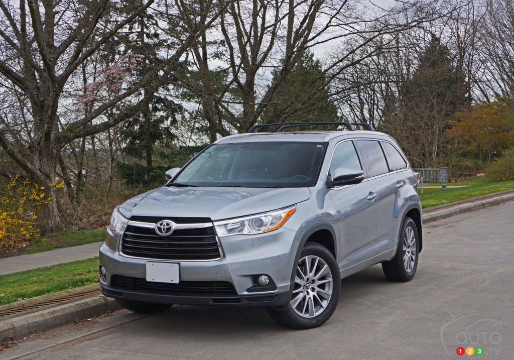 the 2016 toyota highlander xle awd gets high marks car reviews auto123. Black Bedroom Furniture Sets. Home Design Ideas
