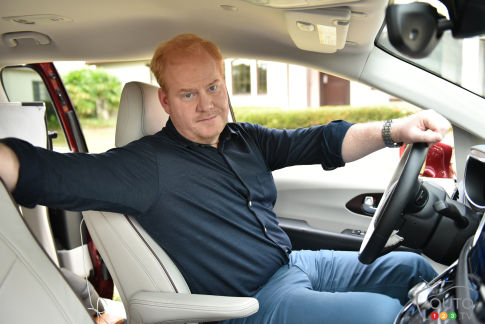 {u'fr': u'Jim Gaffigan et la Chrysler Pacifica 2017'}