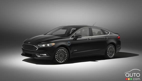 {u'fr': u'La Ford Fusion Energi 2017'}