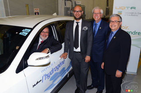 {u'en': u'Left to right: Pierre Arcand, Quebec Minister of Energy and Natural Resources; Faizan Agha, Manager of Advanced Product Development with Hyundai Auto Canada Corp.; Daniel McMahon, Rector of University of Quebec at Trois-Rivieres; and Richard Chahine, Director of the Hydrogen Research Institute.'}
