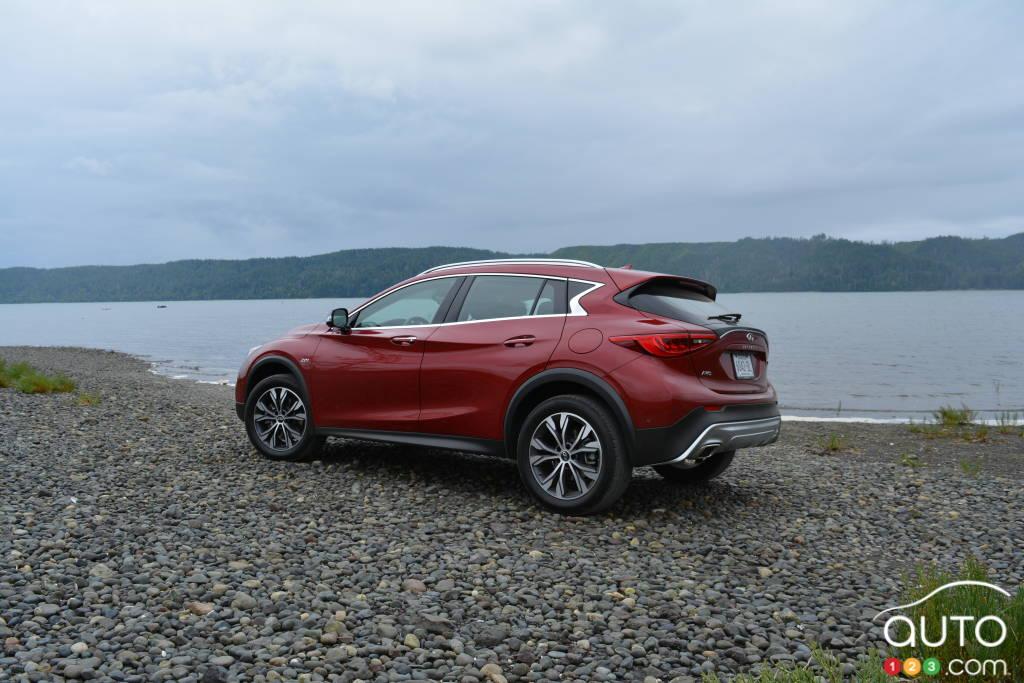 2017 Infiniti Qx30 First Drive Car Reviews Auto123