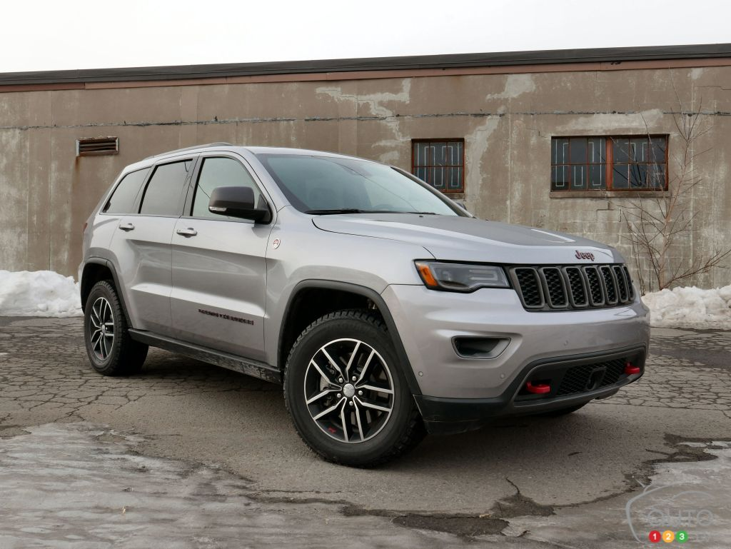 le jeep grand cherokee trailhawk 2017 a tout un arsenal essais routiers auto123. Black Bedroom Furniture Sets. Home Design Ideas