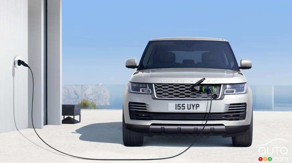 range rover nouveaut s 2018 et version hybride pour 2019 actualit s automobile auto123. Black Bedroom Furniture Sets. Home Design Ideas
