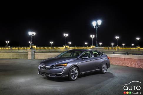 {u'en': u'The new 2018 Honda Clarity Plug-in Hybrid'}
