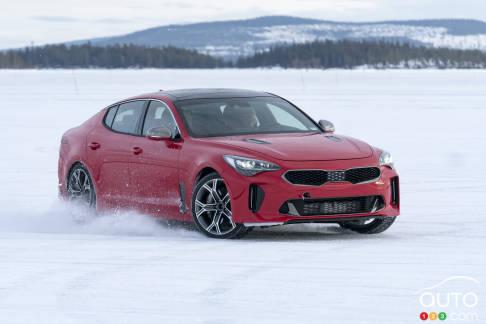 {u'en': u'2018 Kia Stinger undergoes winter testing in Sweden'}