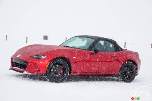 {u'en': u'2017 Mazda MX-5'}