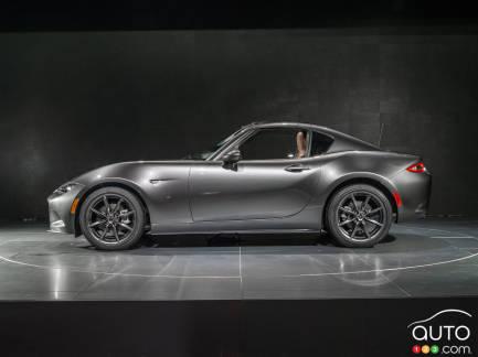 {u'fr': u'Mazda MX-5 RF 2017'}