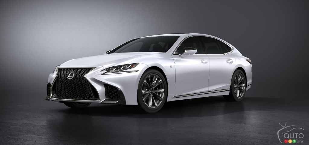 world premiere for the lexus ls 500 f sport in new york car news auto123. Black Bedroom Furniture Sets. Home Design Ideas
