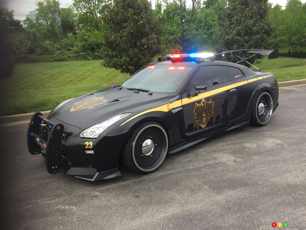 nissan gt r cop car spotted in tennessee car news auto123. Black Bedroom Furniture Sets. Home Design Ideas