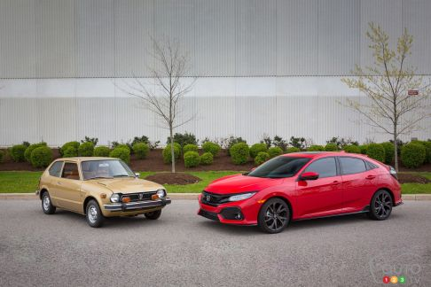 {u'fr': u'Honda Civic 1977 et Honda Civic 2017'}