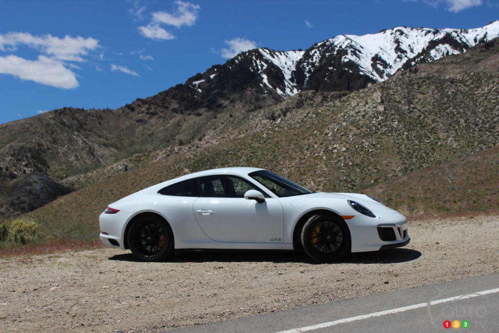 2017 Porsche 911 GTS, The Best Sports Car Out There? | Car Reviews | Auto123