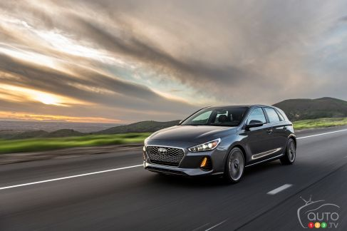 {u'en': u'The new, second-generation 2018 Hyundai Elantra GT'}