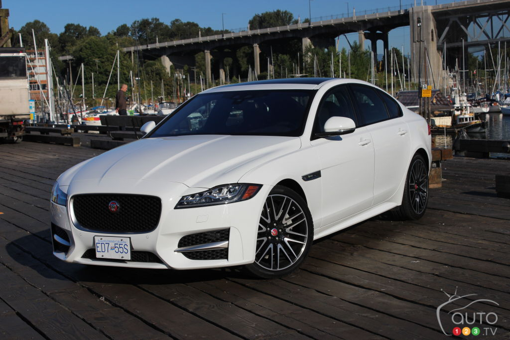 2017 jaguar xf 20d awd r sport is a torque star car reviews auto123. Black Bedroom Furniture Sets. Home Design Ideas