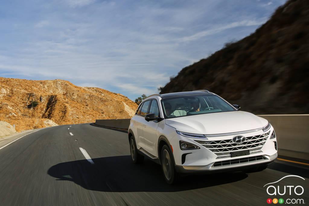 Hyundai Nexo FCV Fuel Cell SUV Revealed